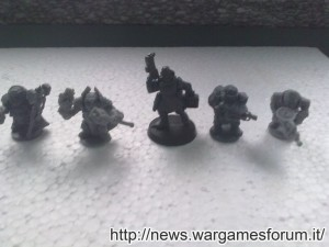 Confronto tra modello Games Workshop e Forgefather Mantic Games