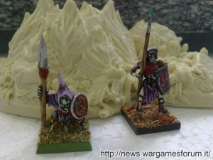 Giungla CosmicPlanets a confronto con miniature GW e Mantic Games